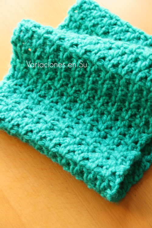 green-crochet-cowl-2