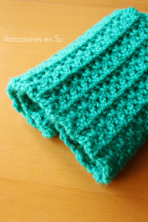 green-crochet-cowl