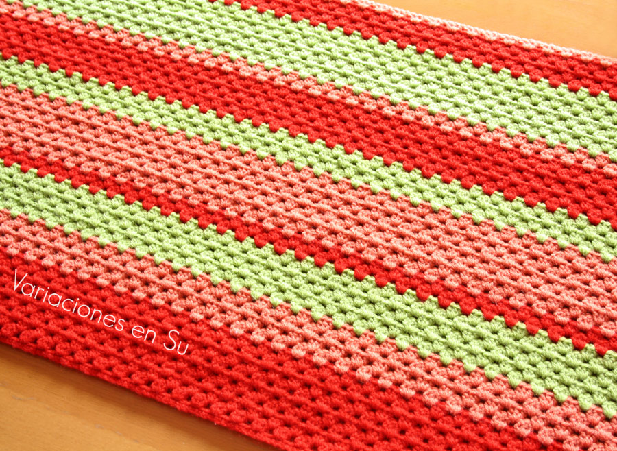 green-red-crochet-blanket-WIP-detail