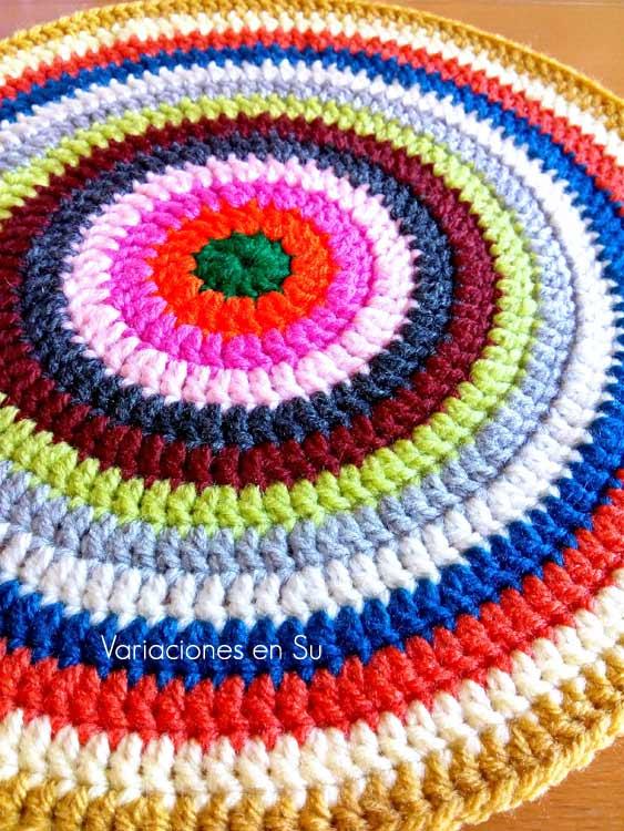 Círculo de colores tejido a ganchillo
