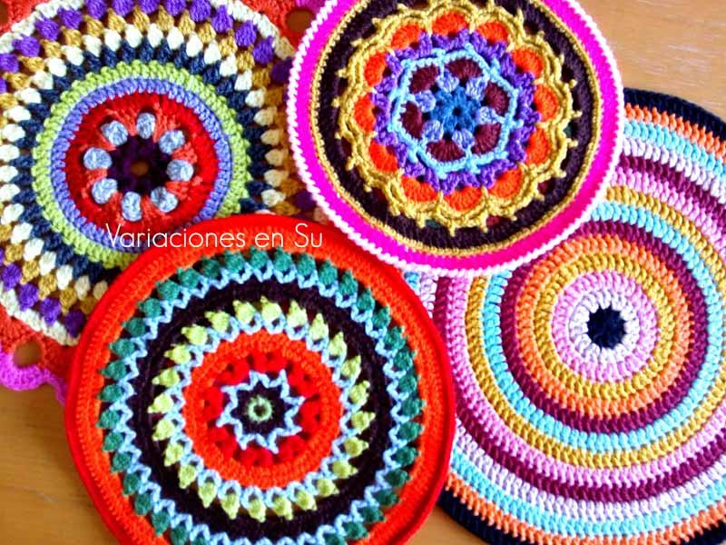 Coloridas mandalas de ganchillo.