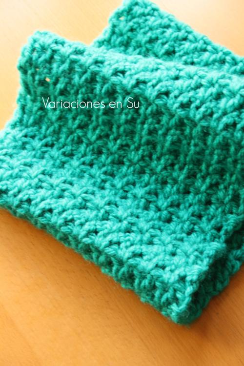 green-crochet-cowl-2